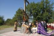 Архиепископ Зосима освятил поклонный крест в станице Змейская
